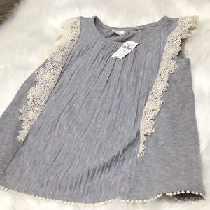Gap girls grey tank top with lace.